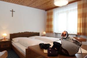 Doppelbett im Haus Kirschner Pitztal Tirol